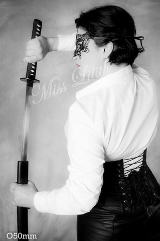 miss lilith dominatrice maitresse sm